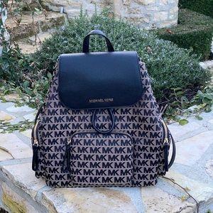 NWT Michael Kors LG cargo signature backpack